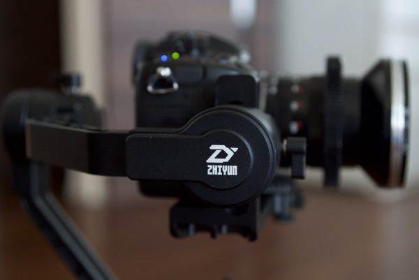 گیمبال دستی سه محوره Crane 2 ساخت Zhiyun