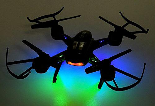 از دیگر ویژگی هایی که یک کوادکوپتر خوب باید از آن برخوردار باشد، دارا بودن چراغ های پور نور و در عین حال کم مصرف است که امکان پرواز کوادکوپتر را در شب و فضاهای تاریک به راحتی فراهم کند.  باتری کوادکوپتر lishitoys L6056 از نوع تک سل ۳۸۰ میلی آمپر بوده که امکان پرواز آن را به مدت ۸ دقیقه به راحتی فراهم می کند. بنابراین اگر تمایل به پرواز با مدت زمان بیشتری دارید بهتر است یک باطری یدک برای آن تهیه کنید.خرید کواد کوپتر|خرید پهپاد | خرید کوادکوپتر | خرید پهباد