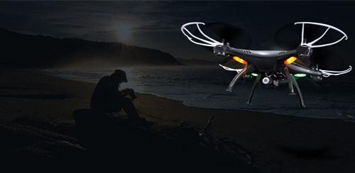 این کوادکوپتر همچنین دارای چراغ های پرنور و زیبایی است که به خلبان امکان می دهد آن را به خوبی در شب و نور کم پرواز دهد. با کمک چراغ های سبز و قرمز کوادکوپتر syma X5SW ، قادر خواهید بود مکان و همچنین جهت این پهپاد را در آسمان شب به راحتی تشخیص دهید.